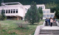 2002 October: Students bid farewell to Volga and Hilltop – the last dormitories outside the new campus.