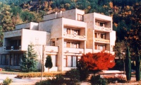 1993 September: Bistritza Residence Hall first houses students. Curious fact: it was previously a presidential apartment of Bulgaria's communist head of state, Todor Zhivkov.